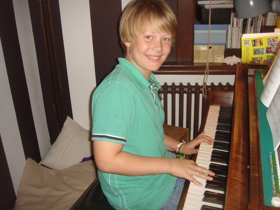 Flippers Music - pianoles aan huis met cesar